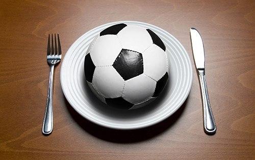 Правильное питание для юных футболистов